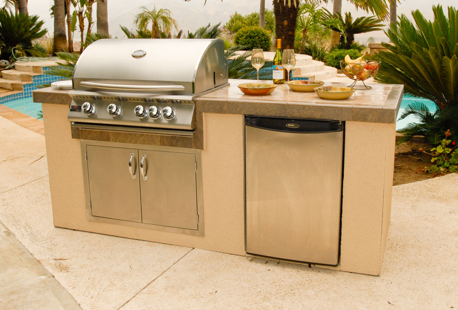 Outdoor kitchen island kits for people who love meals cooked ...