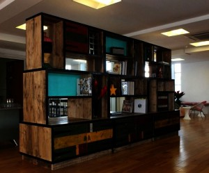Choosing the kitchen furniture. Reeded glass wall cabinet kitchen ideas gallery