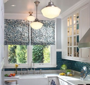 blinds in the kitchen. Modern trends in window treatments. Small Kitchen Ideas